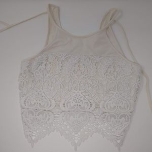 Garage White Lace Cropped Sleeveless Shirt Medium